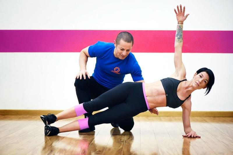 Maurizio Falasconi mentre allena come personal trainer